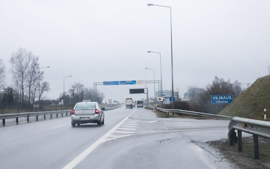 На новую объездную дорогу многие водители попадают по ошибке