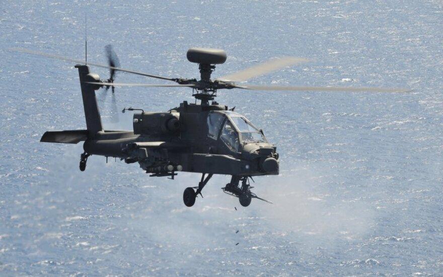 """Sąjungininkų sraigtasparnis """"Apache"""" Libijoje"""