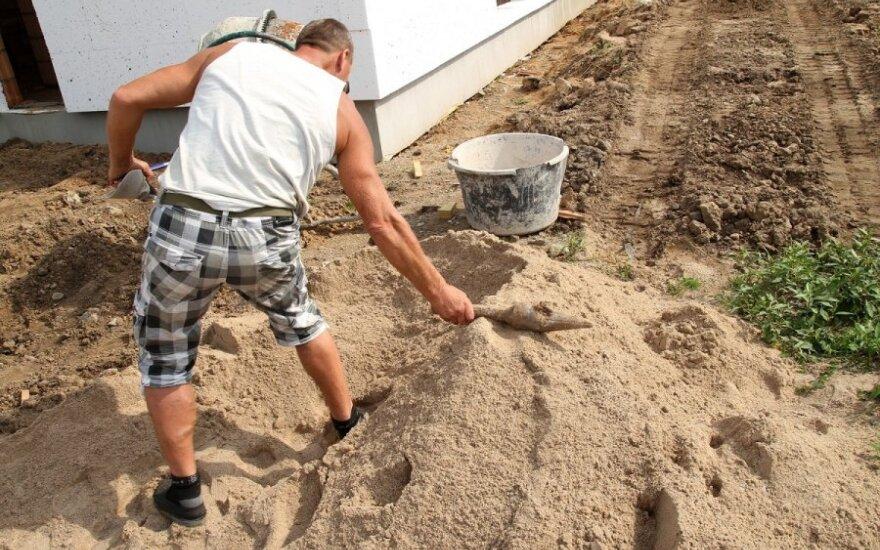 Строители Каунасского района откопали ракету, но работу не остановили