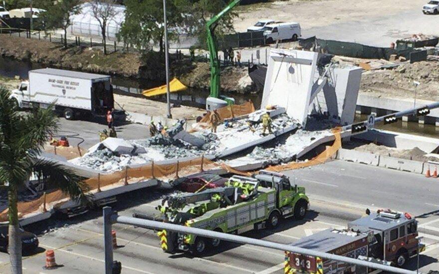 Floridoje sugriuvęs tiltas