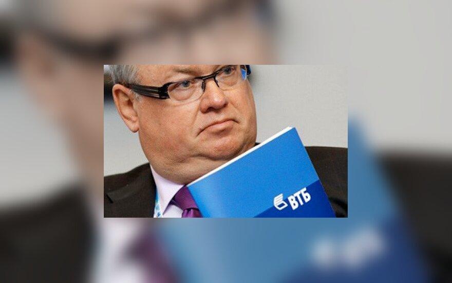 """Президент ВТБ назвал """"чепухой"""" расследование об офшорах """"ближнего круга"""" Путина"""