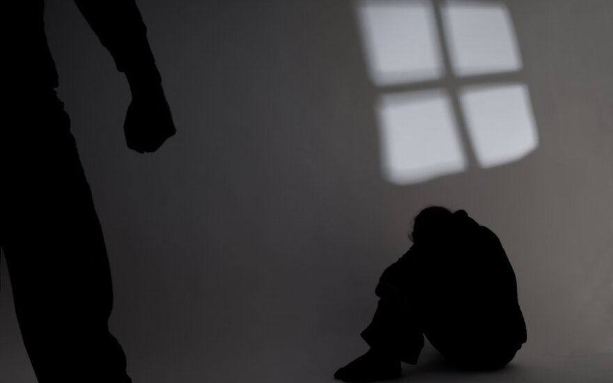 Правительство одобрило подписание конвенции о насилии против женщин