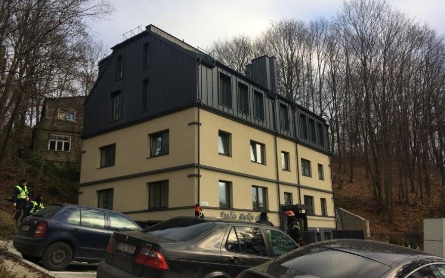 В Каунасе в квартире найдена сильно избитая женщина, задержан подозреваемый