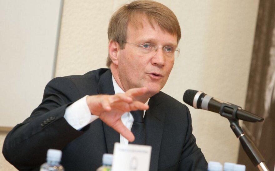 Пофалла выступил за ограничение срока усиления НАТО в Балтии