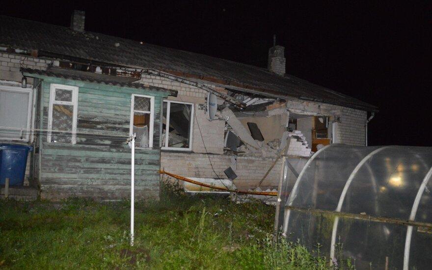 В Шяуляй ночью взорвался дом, есть пострадавшие