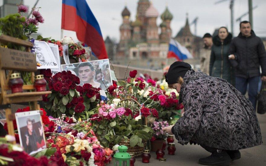 Ушацкас и послы стран Евросоюза возложат цветы к месту гибели Немцова