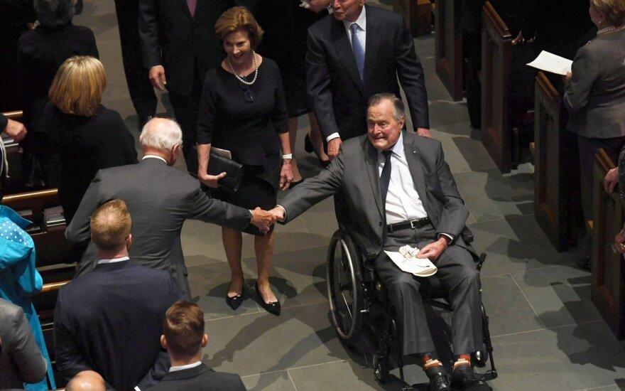 Буша-старшего госпитализировали через день после похорон жены