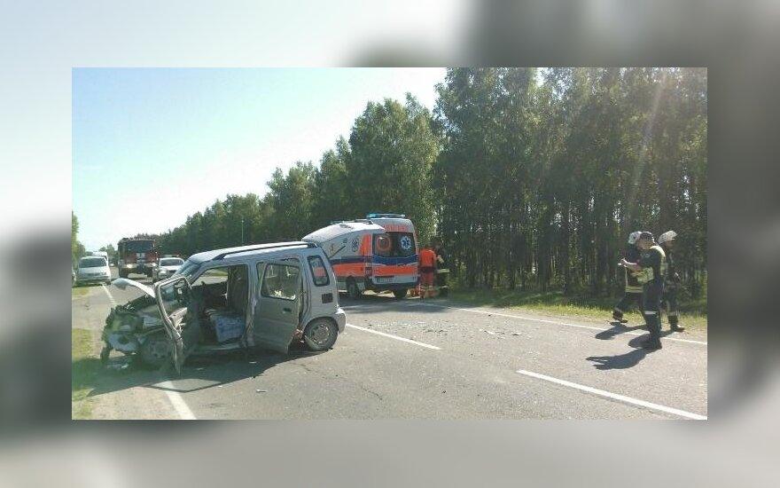 Šiurpi kaktomuša Lazdijuose: automobilio nuolaužos prispaudė dvi moteris