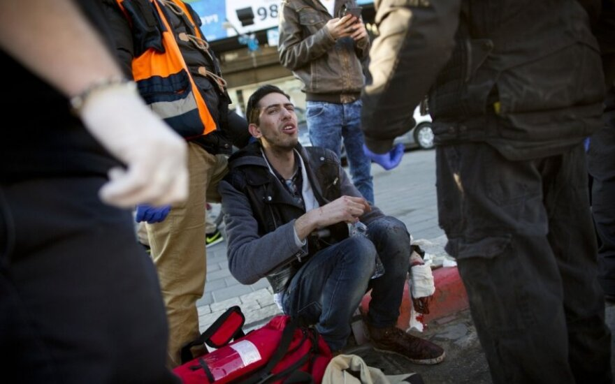 Израиль: палестинец напал с ножом на пассажиров автобуса