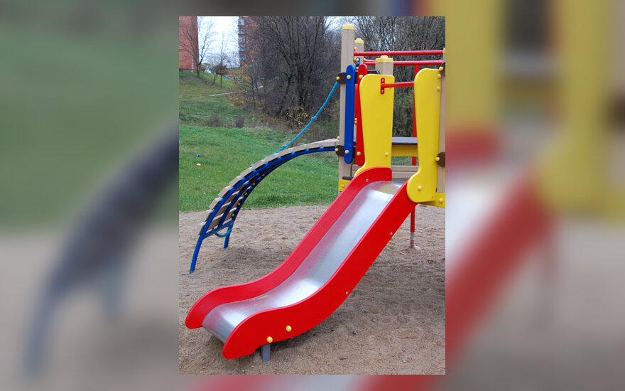 Žaidimų aikštelė, vaikystė