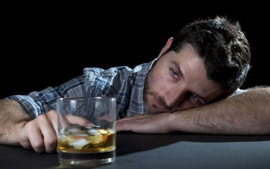 Найдена причина алкоголизма