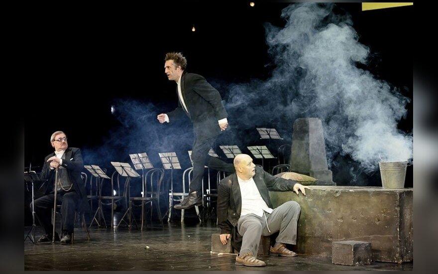 "J. Vachtangovo teatro spektaklis ""Vėjas tuopose"""