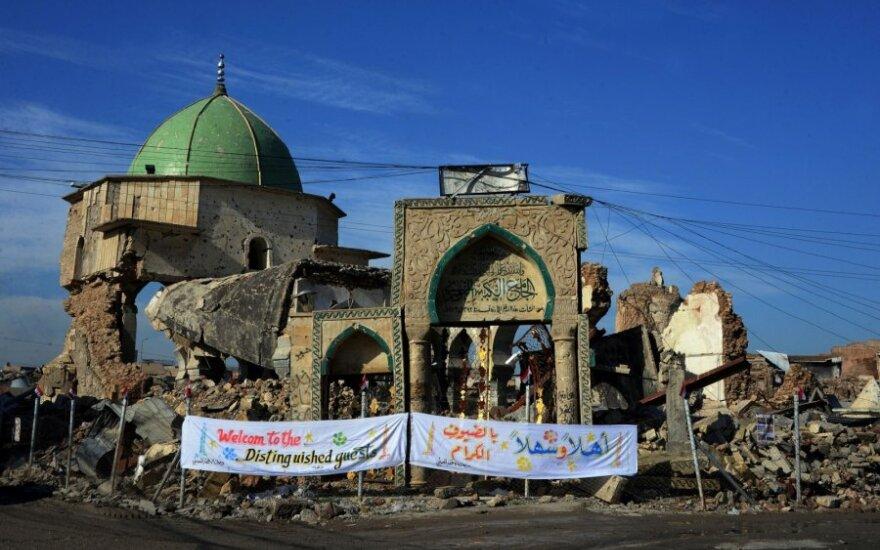 Irako Mosulo mieste atstatoma IS sugriauta istorinė Didžioji mečetė