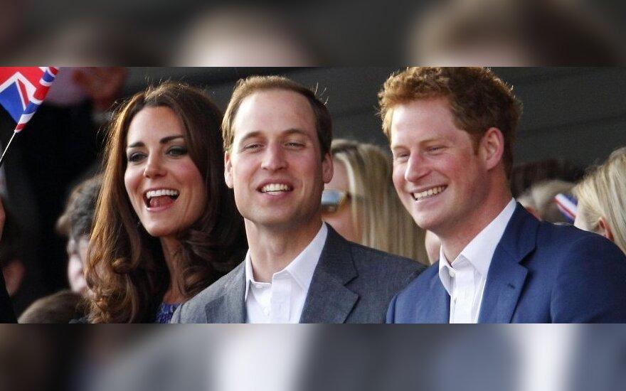 Принц Гарри пообещал младенцу веселую жизнь