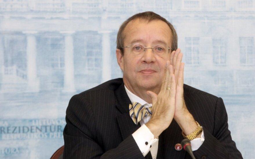 Президент Эстонии ждет от России извинений за депортацию