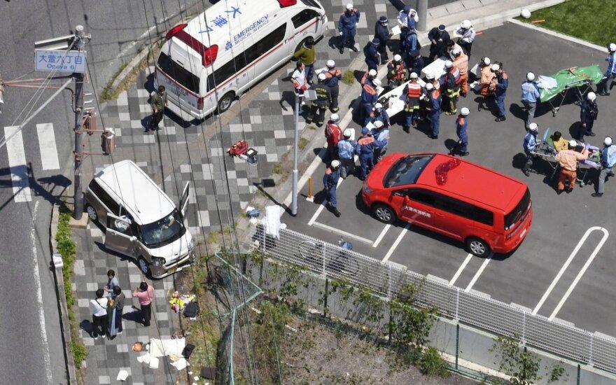 ФОТО, ВИДЕО: автомобиль врезался в группу детсадовцев в Японии, двое детей погибли