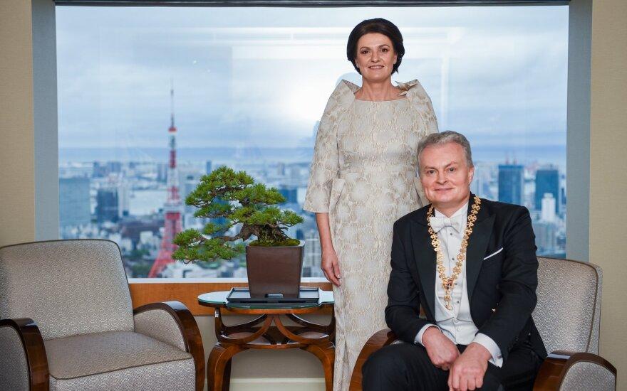 Президент Литвы поздравил со вступлением на престол нового императора Японии