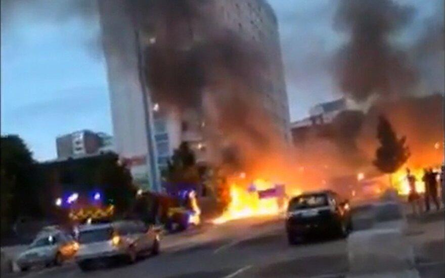 В Гётеборге сгорели более 80 машин