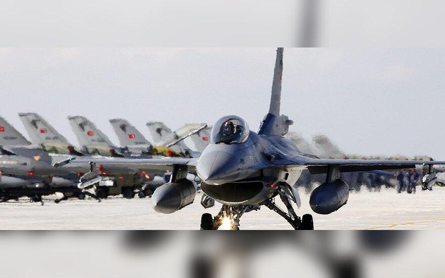Турецкие самолеты нанесли удар по базам курдов в Ираке