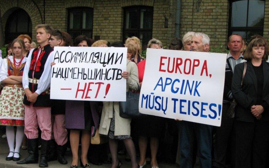 Wiec pod Ambasadą Niemiec w Wilnie