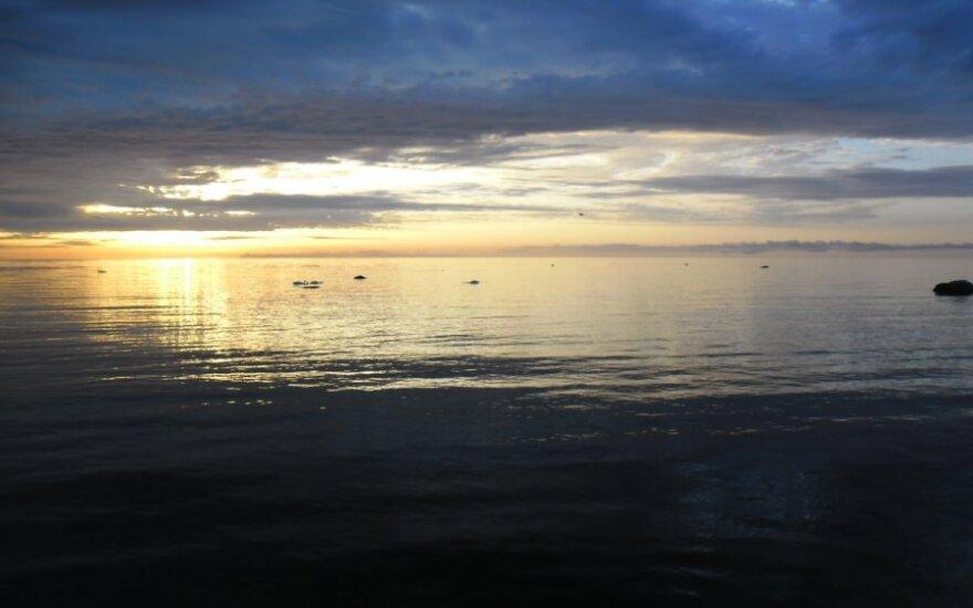 В Охотском море затонуло судно-рефрижератор
