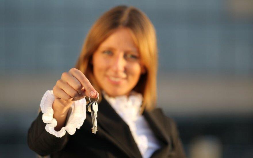 Уезжая в отпуск, каждый пятый житель Литвы оставляет ключи соседям