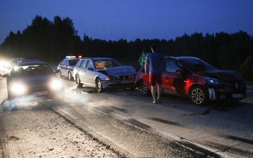 Под Вильнюсом столкнулись четыре автомобиля