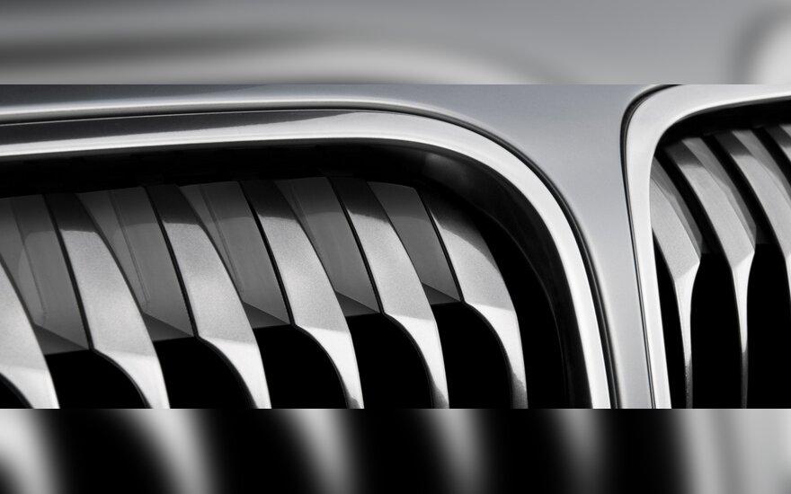 """Семерка"" BMW - под капотом четыре цилиндра"