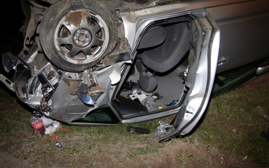 Авария в Варенском районе: возле перевернутой машины найдено тело мужчины