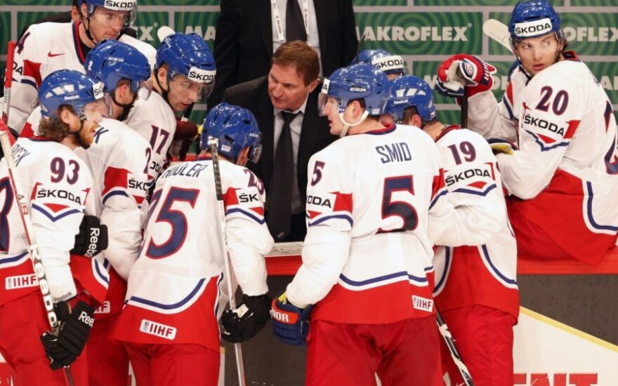 Чехи разгромили шведов и отправили россиян на последнее место в Евротуре