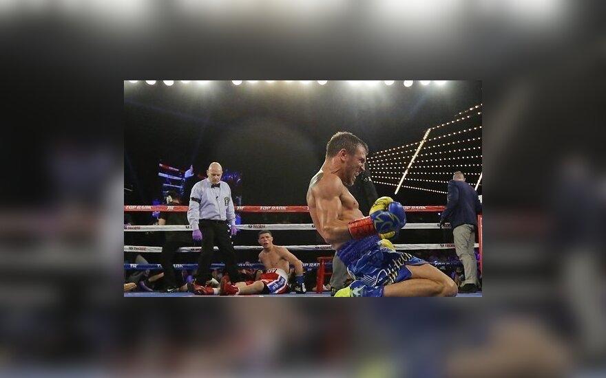 ВИДЕО: Украинец Ломаченко переписывает историю профессионального бокса