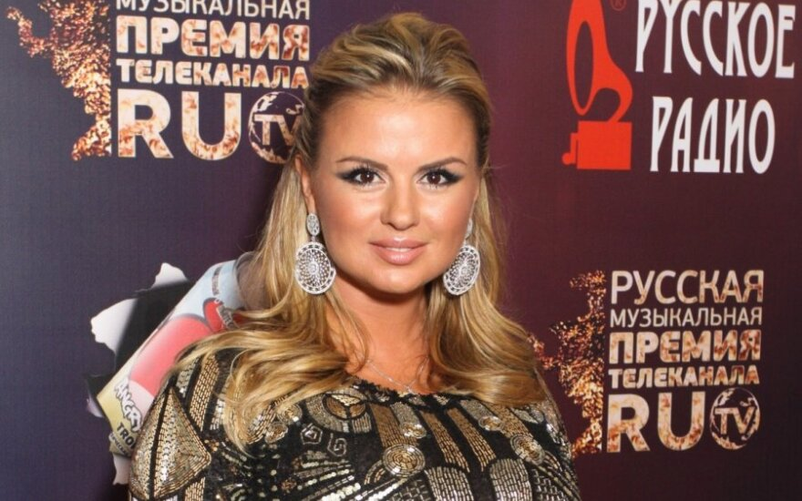 Любовник подарил на прощание Анне Семенович квартиру в Москве