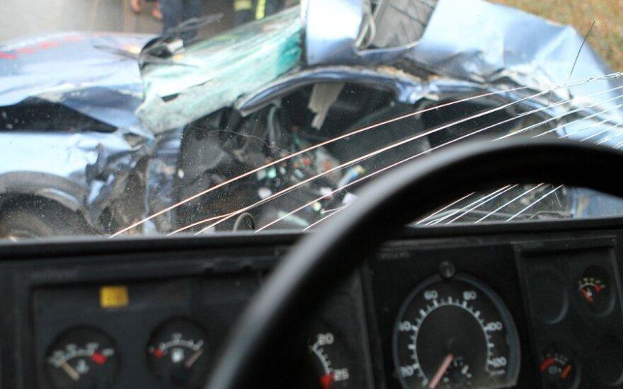 Litewski bus zderzył się z TIR-em. Jedna osoba nie żyje