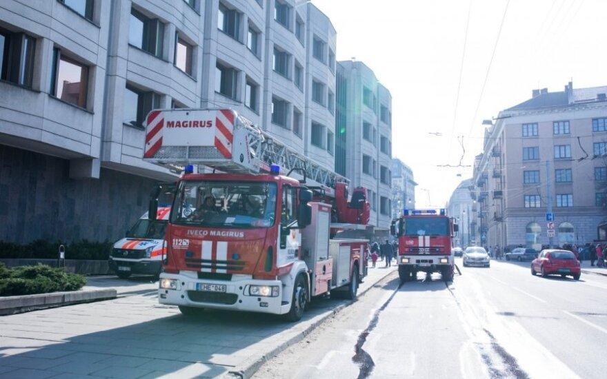 Охранник здания правительства в Вильнюсе вызвал пожарных