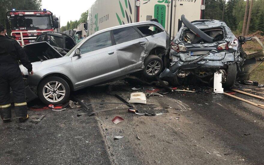 Литовец в Латвии устроил аварию: один человек погиб, трое пострадали