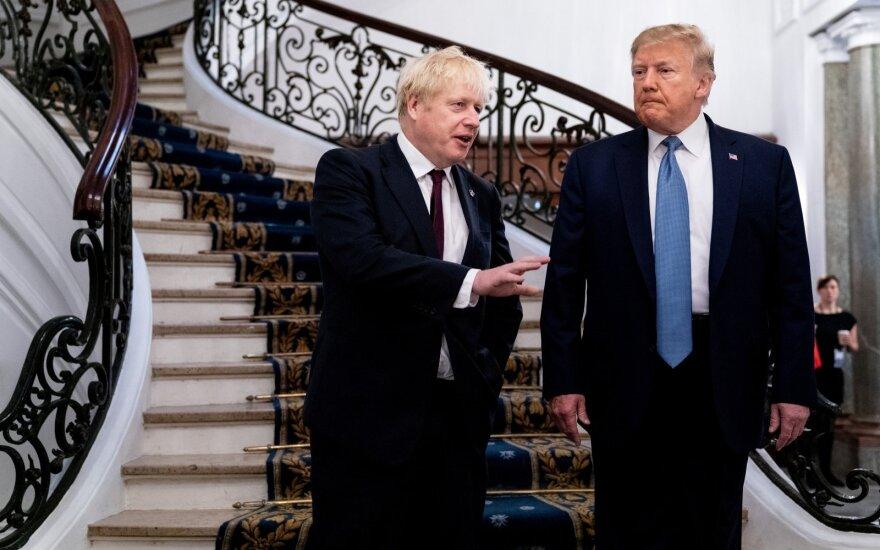 B. Johnsonas ir D. Trumpas