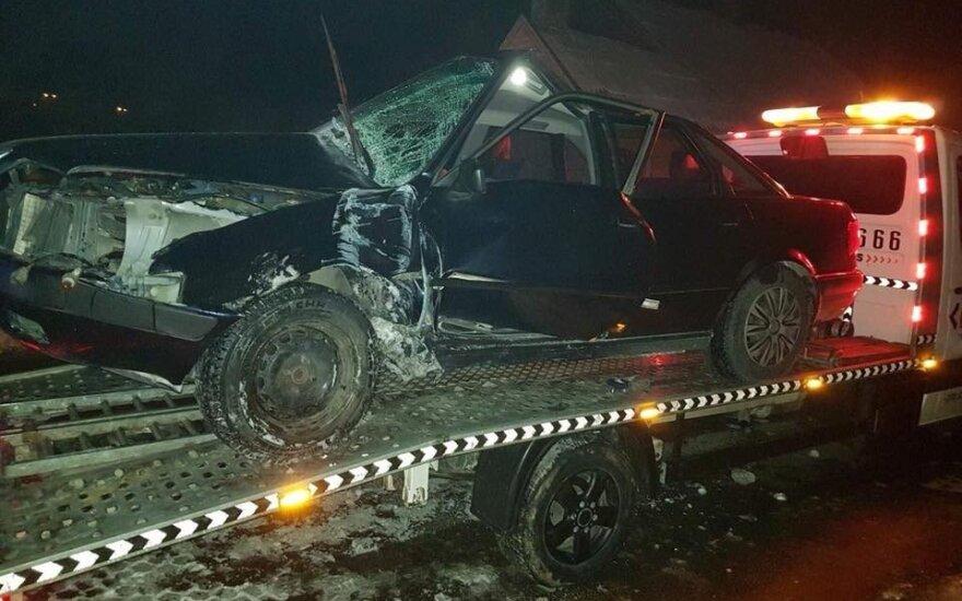 Серьезное ДТП в Кретинге: лишь по счастливой случайности водитель остался жив