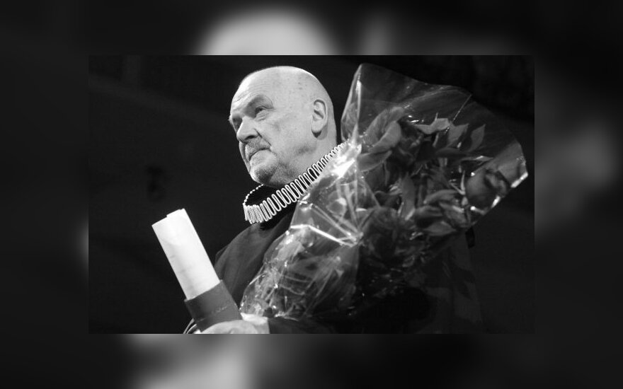 Близкие, друзья и поклонники прощаются с режиссером Някрошюсом