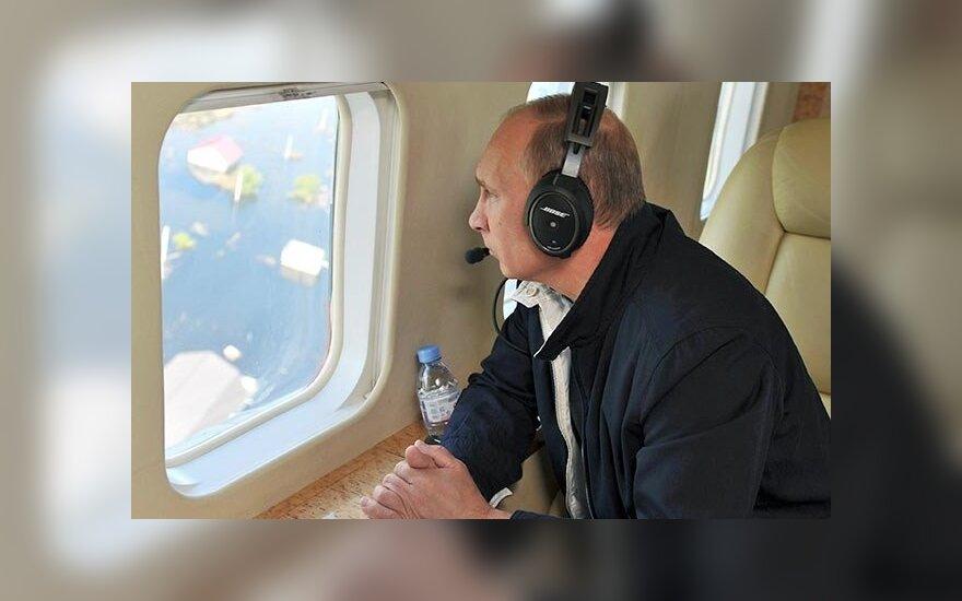 Паводок и кортеж Путина превратили Хабаровск в огромную пробку