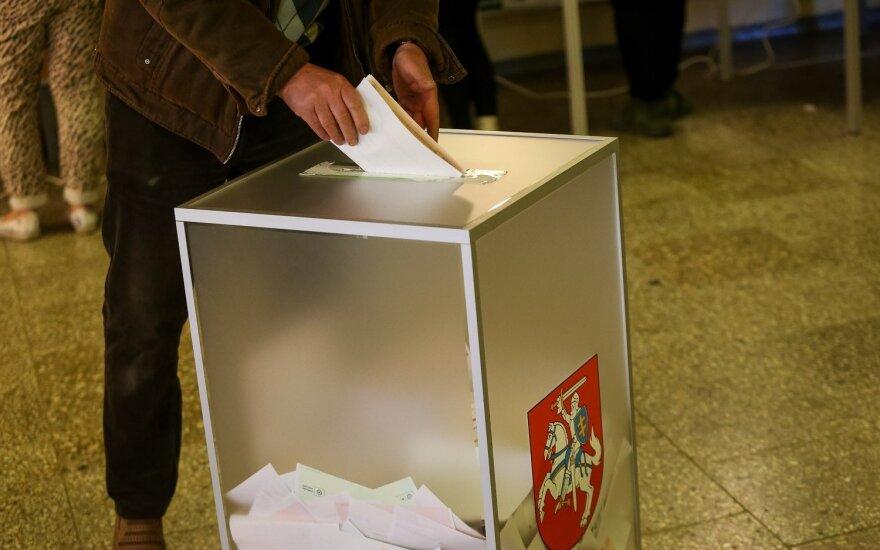 В трех округах Литвы проходит второй тур парламентских выборов
