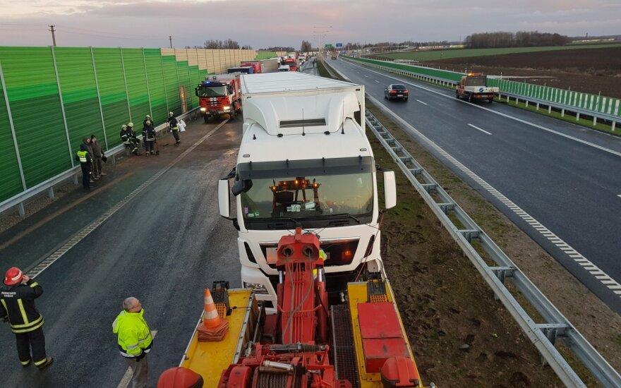 Движение на участке Via Baltica под Мариямполе восстановлено