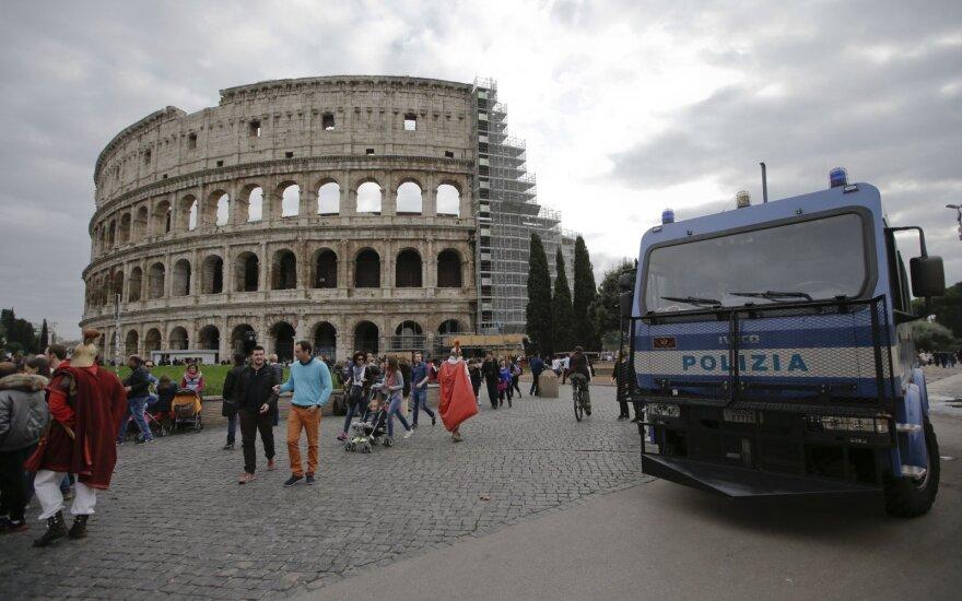 В Риме начался психоз: город прикрывают солдаты и блокпосты