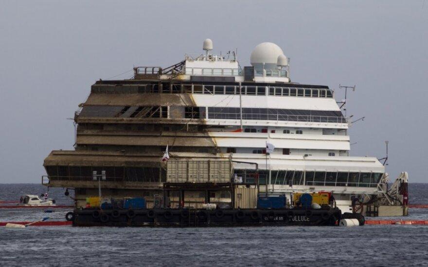 Капитан Costa Concordia обвинил в аварии рулевого судна