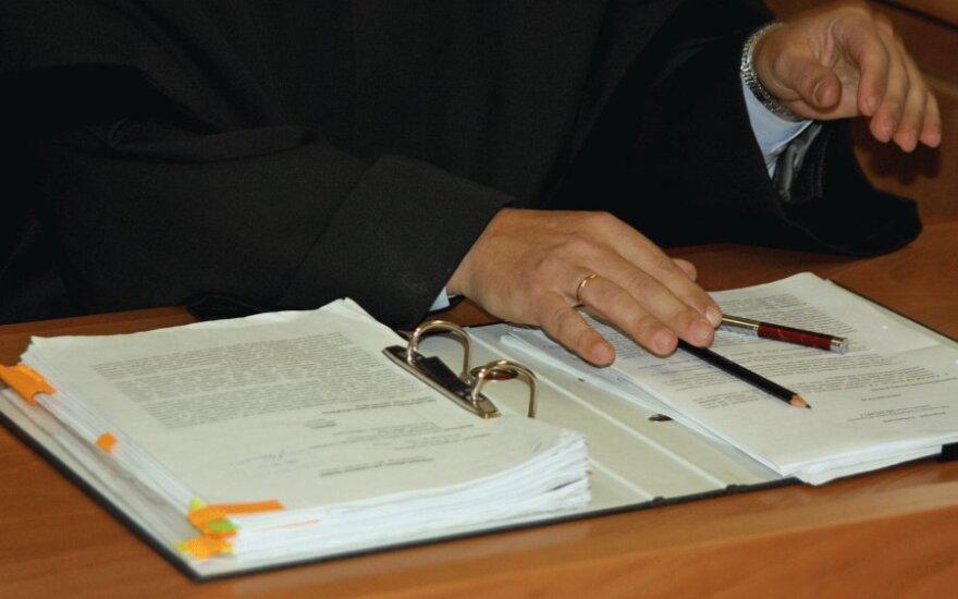 Зарплаты адвокатов, нотариусов и приставов удивили их самих