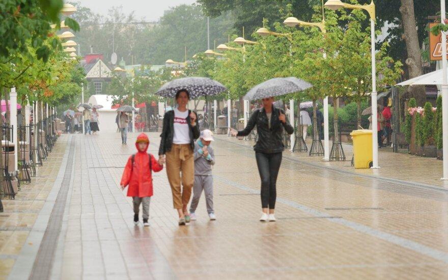 Pajūryje pila lietus
