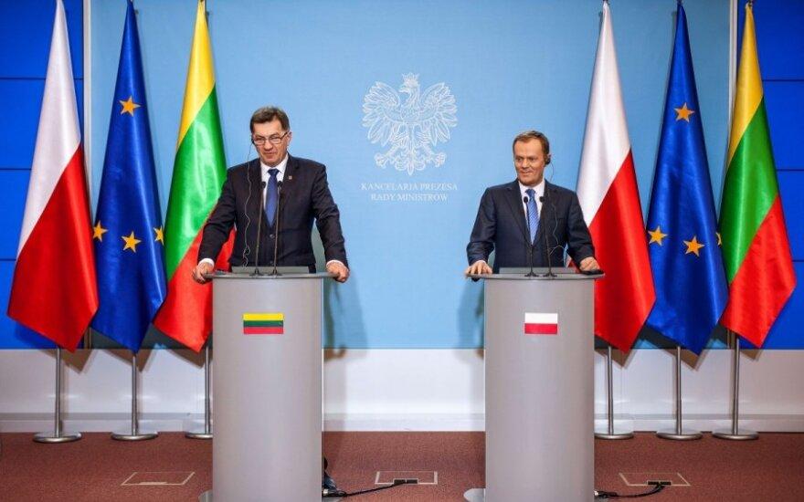 """Algirdas Butkevičius i Donald Tusk: """"W regionie jest potrzebna stała baza NATO"""""""