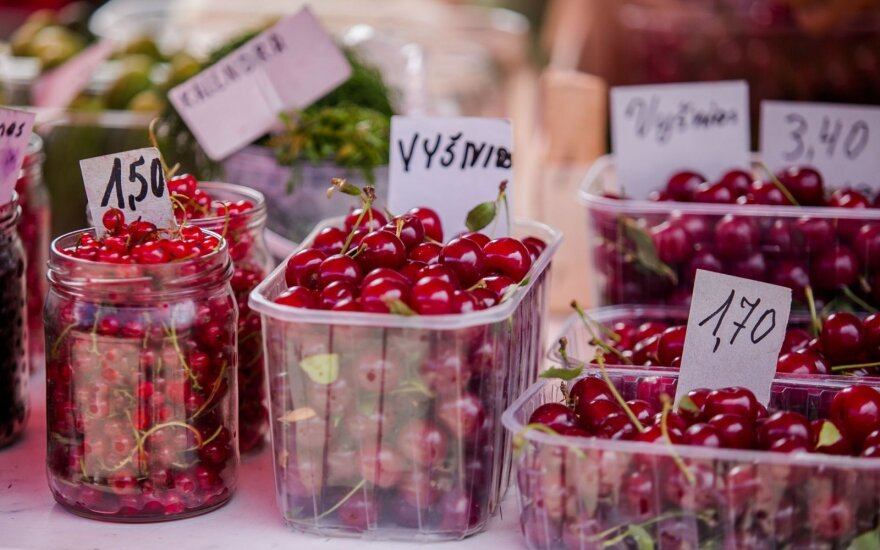 Ягодный сезон в разгаре, но витамины по карману не всем