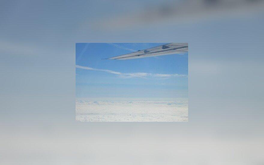 Dangus, debesys, lėktuvo sparnas, skrydis