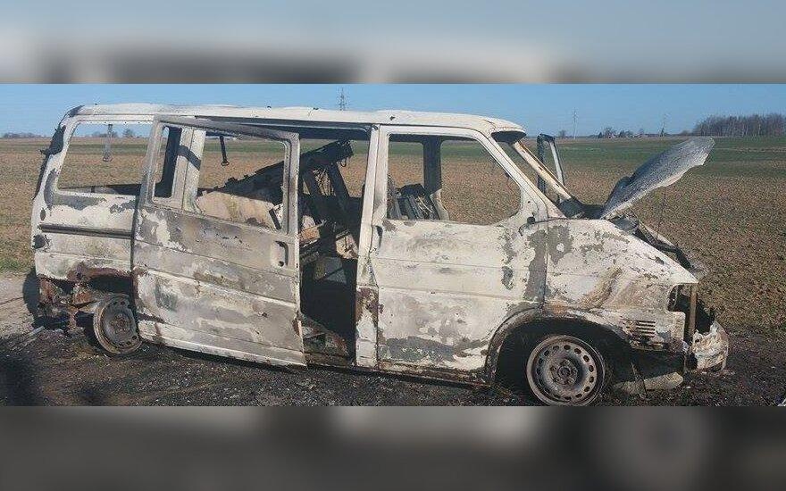 В Каунасе похищен банкомат, сожжены два автомобиля