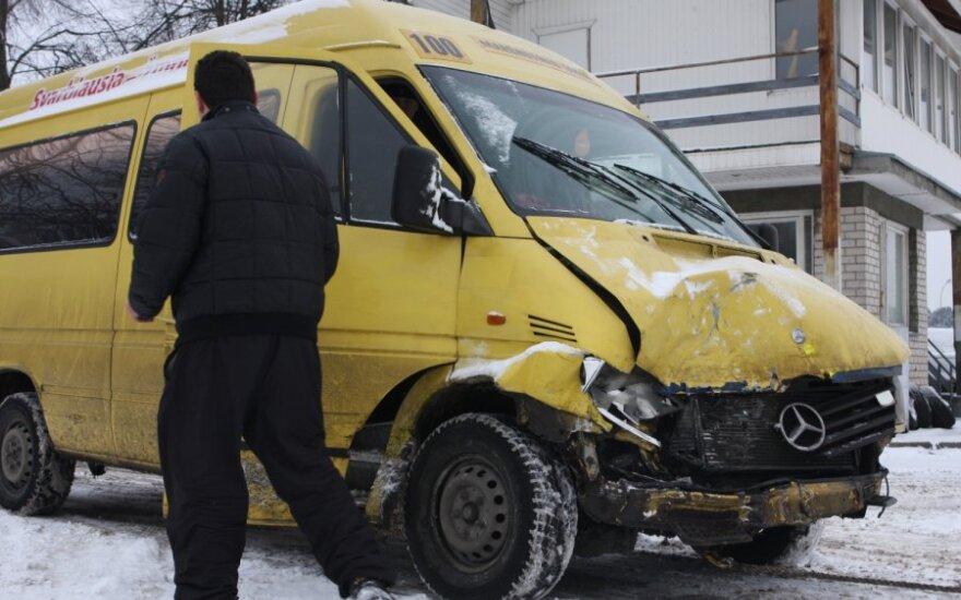 В Вильнюсе в ДТП с маршрутным такси пострадали трое человек